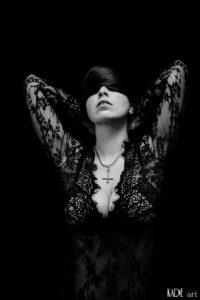 Anika - Schades of Black